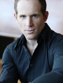Alexandre Goyette, comédien, auteur/metteur en scène et producteur